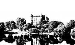 """Der Wasserturm auf dem Werder ist der älteste Wasserturm der Stadt Bremen. Das 47 Meter hohe Gebäude – im Volksmund auch """"Umgedrehte Kommode"""" genannt – auf dem Stadtwerder war Teil der Bremer Wasserkunst mit dem Betreiber swb AG."""